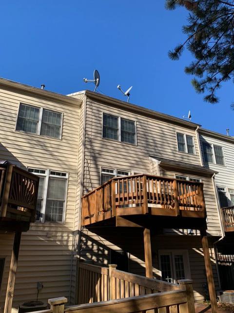 Herndon, VA - OHI removed and replaced all of the crown moulding on the front of this three story townhouse in Herndon. Even the small repairs are well worth it!