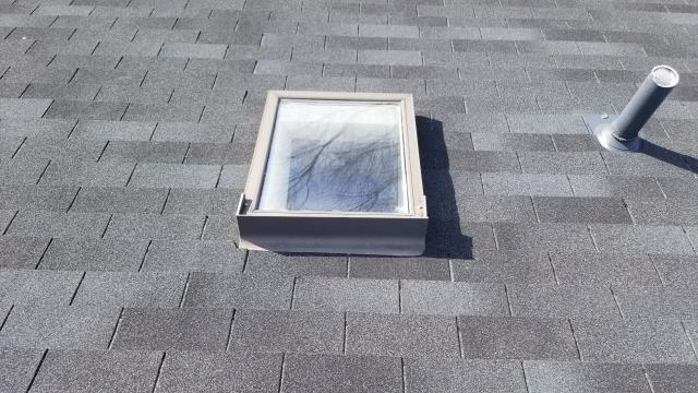 Woodbridge, VA - OHI did a skylight replacement in Woodbridge. Our team carefully removed an existing skylight that was causing leakage and replaced it with a new curb mounted Velux skylight to complete this home.