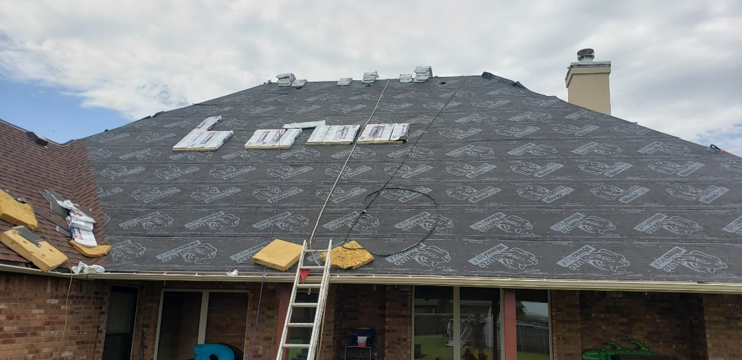 Lawton, OK - This beautiful home in Lawton is getting a beautiful timberline HDZ Hickory shingle installed today. Call today for your free inspection. 405-990-9354