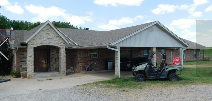 Yale, OK - Helped this family get a new roof paid for by there homeowner's insurance.