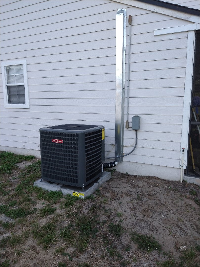 Apopka, FL - Air Conditioning Installation Apopka - New AC Install of a high efficiency 18 SEER Goodman System for a family in Apopka.