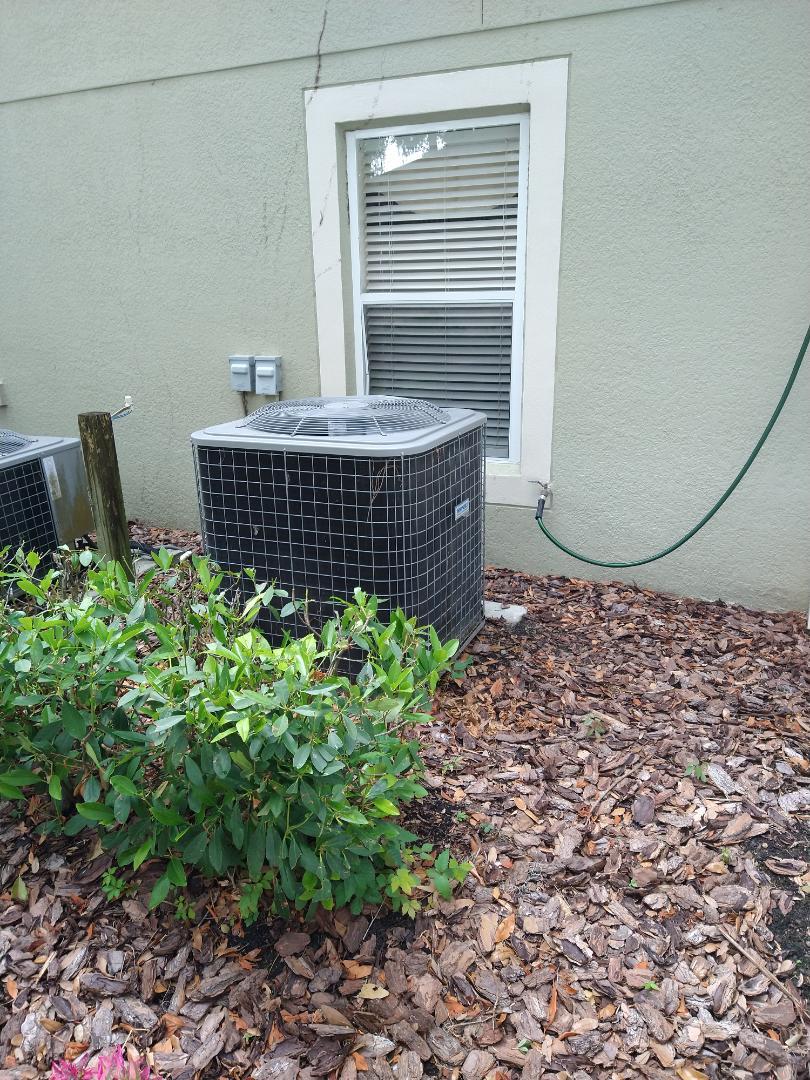 Apopka, FL - Air Conditioning Installation Apopka - Quoting a new 4 Ton Goodman AC System for a family in Apopka.