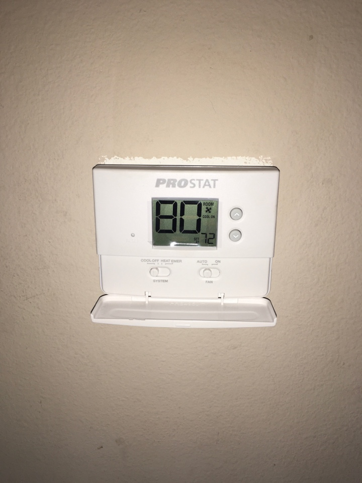Kissimmee, FL - AC Repair Orlando - New thermostat installation for a family in Orlando neighborhood.
