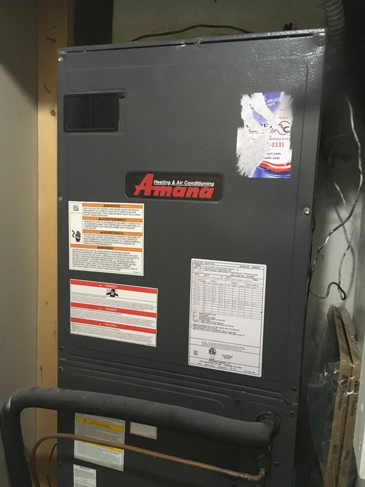 Kissimmee, FL - AC Maintenance Kissimmee - Performing maintenance on an Amana AC System for a family at near Poinciana.