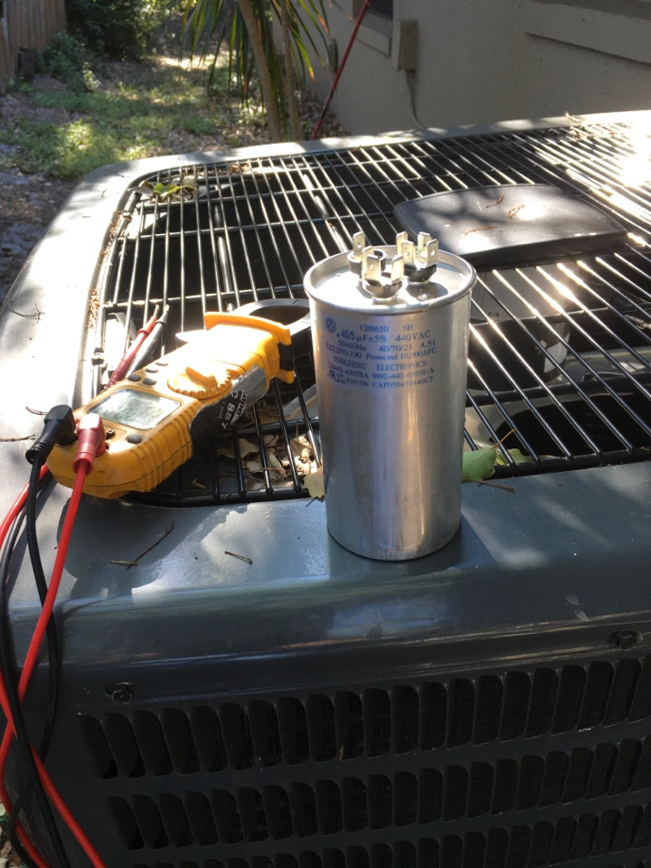 Casselberry, FL - AC Repair Casselberry, FL - Replacing a faulty dual capacitor in Casselberry
