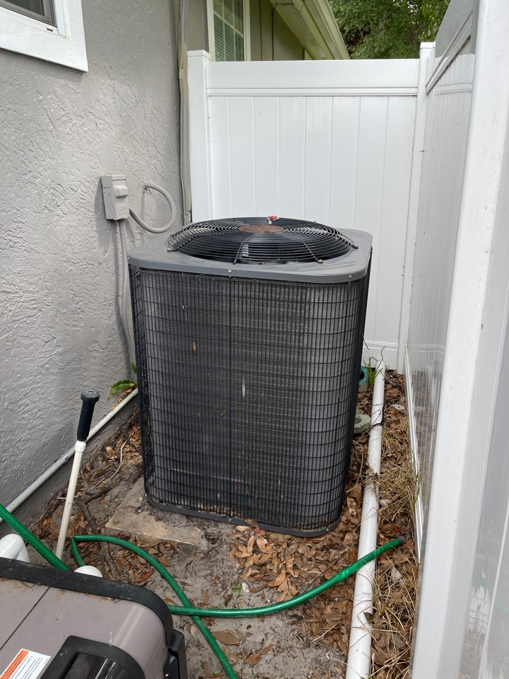 Sanford, FL - AC Installation Sanford - Replacing an old system in Sanford with a new high efficiency system.