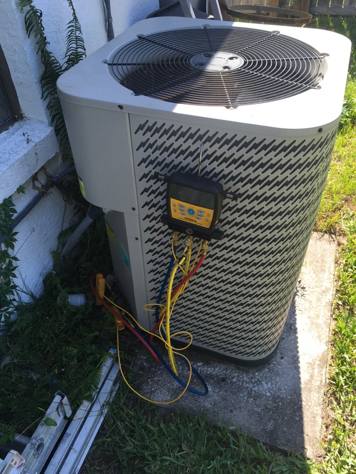 Winter Springs, FL - AC Repair Winter Springs - Replaced condenser capacitor on ac system for a family in winter springs