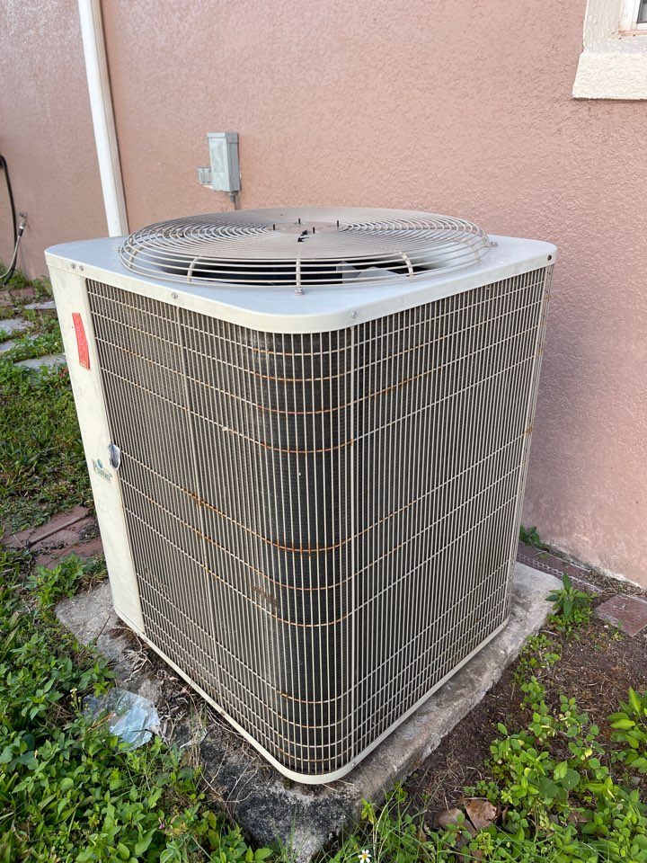 Kissimmee, FL - AC Install Kissimmee - New Franklin AC system replacing an old inefficient system .