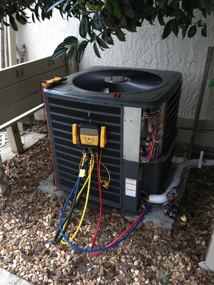 Winter Springs, FL - AC Tune Up Winter Springs - Performing diagnostic on AC unit in Winter Springs