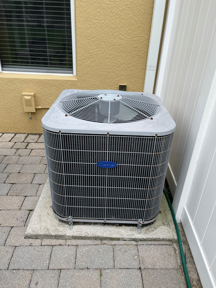 Windermere, FL - AC Repair Windermere - Replacing a leaky coil Carrier with. New Franklin heat pump system.