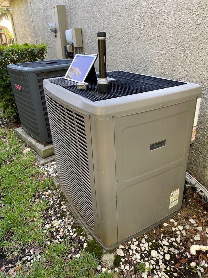 Orlando, FL - AC Installation Orlando - Replacing a faulty York system with a new high efficiency Franklin system.