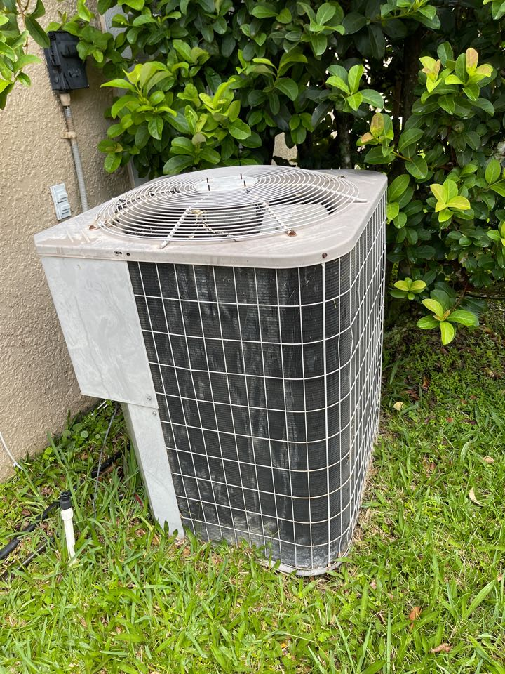 Kissimmee, FL - AC Installation Kissimmee - Replacing an old inefficient system in Kissimmee with a new High efficiency Franklin system.