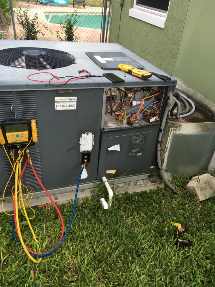 Altamonte Springs, FL - AC Repair Altamonte Springs - Replaced condenser capacitor on a family in Altamonte neighborhood