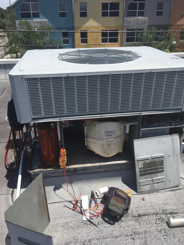 Orlando, FL - AC Repair Orlando - Commercial AC Tune Up Orlando - Repaired an RTU Trane system for a commercial location Orlando