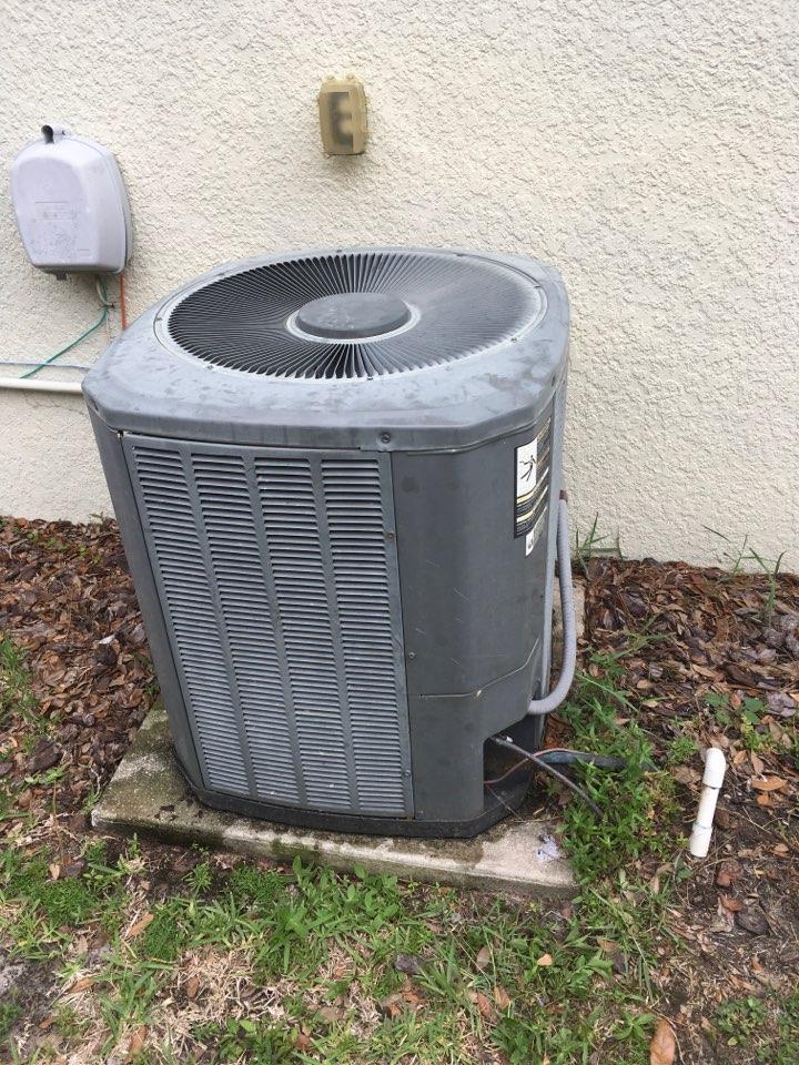 Tavares, FL - AC Repair Tavares - Performing AC repair in Tavares