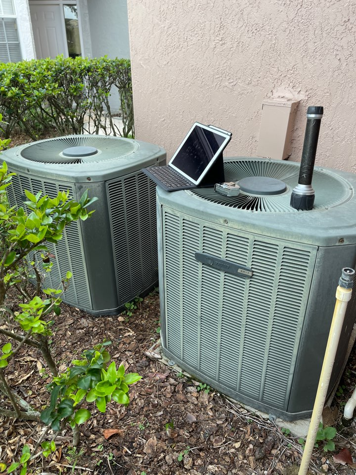 Orlando, FL - New AC Orlando - Replacing an old inefficient system with a new high efficiency Franklin system.