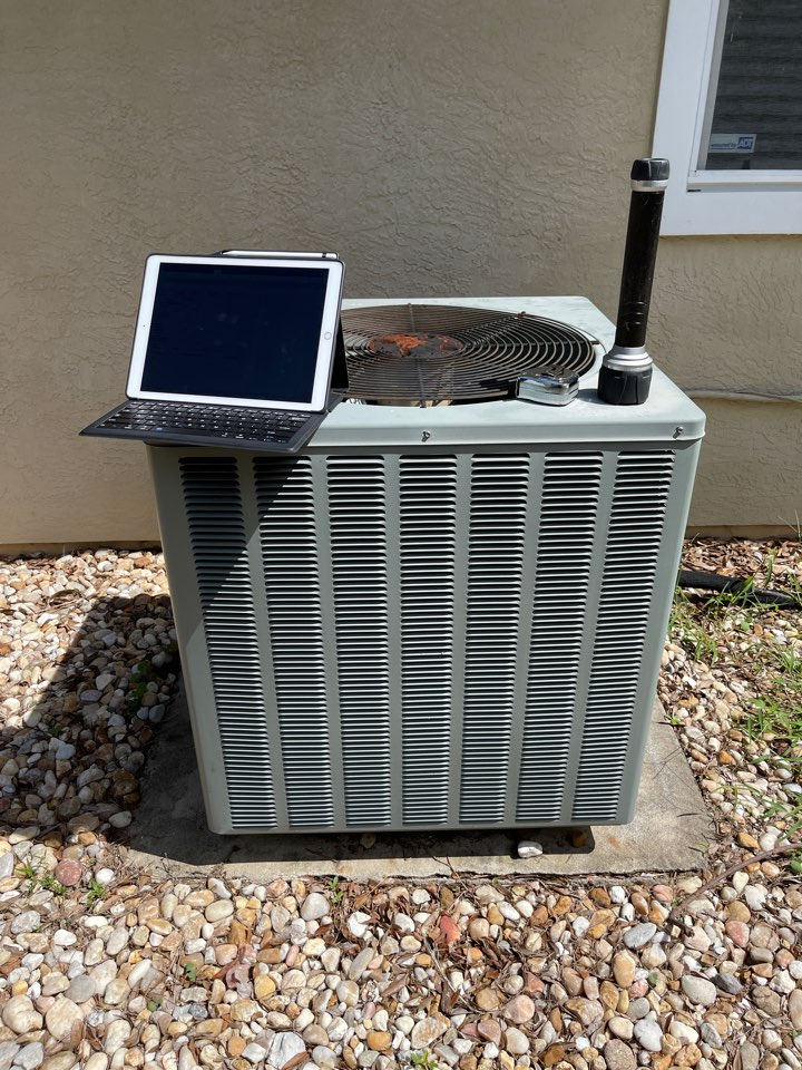 Orlando, FL - AC Replacent Orlando - Replacing an old system with a new high efficiency Franklin system in Metrowest.