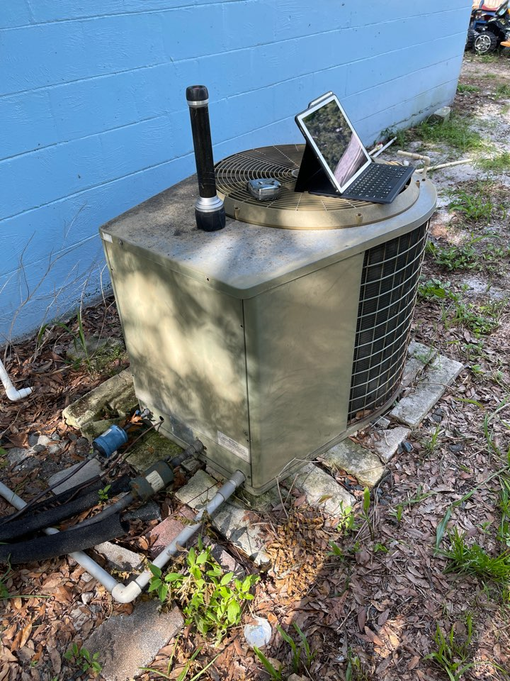 Apopka, FL - AC Installation Apopka - Replacing an old inefficient system with a new high efficiency Franklin.