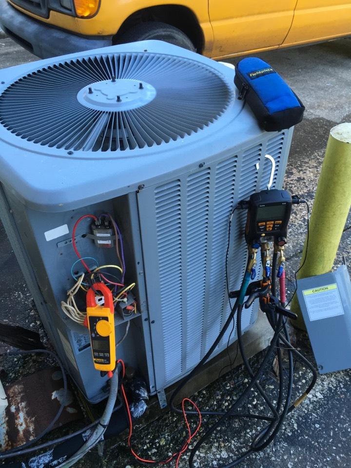 Altamonte Springs, FL - AC Repair Altamonte Springs - Repairing an Air Con System in Altamonte Springs, FL