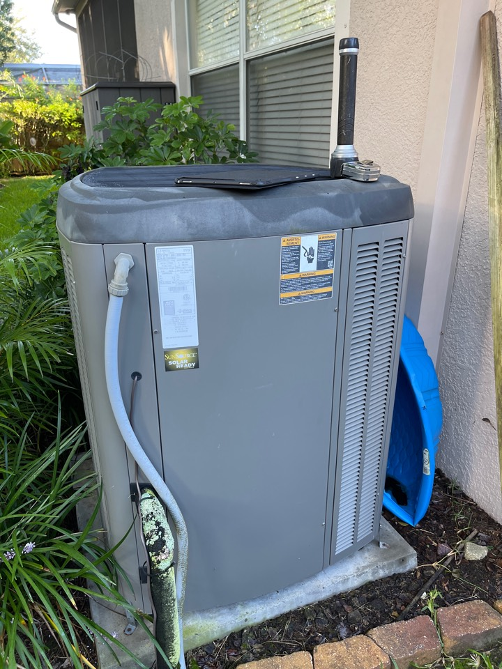 Oviedo, FL - New AC Installation Oviedo - Replacing a new Lennox system with a new high efficiency AC System.