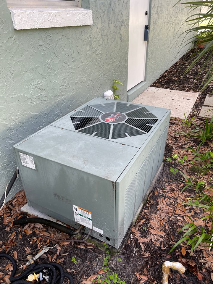 Longwood, FL - New AC Install Longwood - Installing a new High Efficiency Franklin system in Longwood.