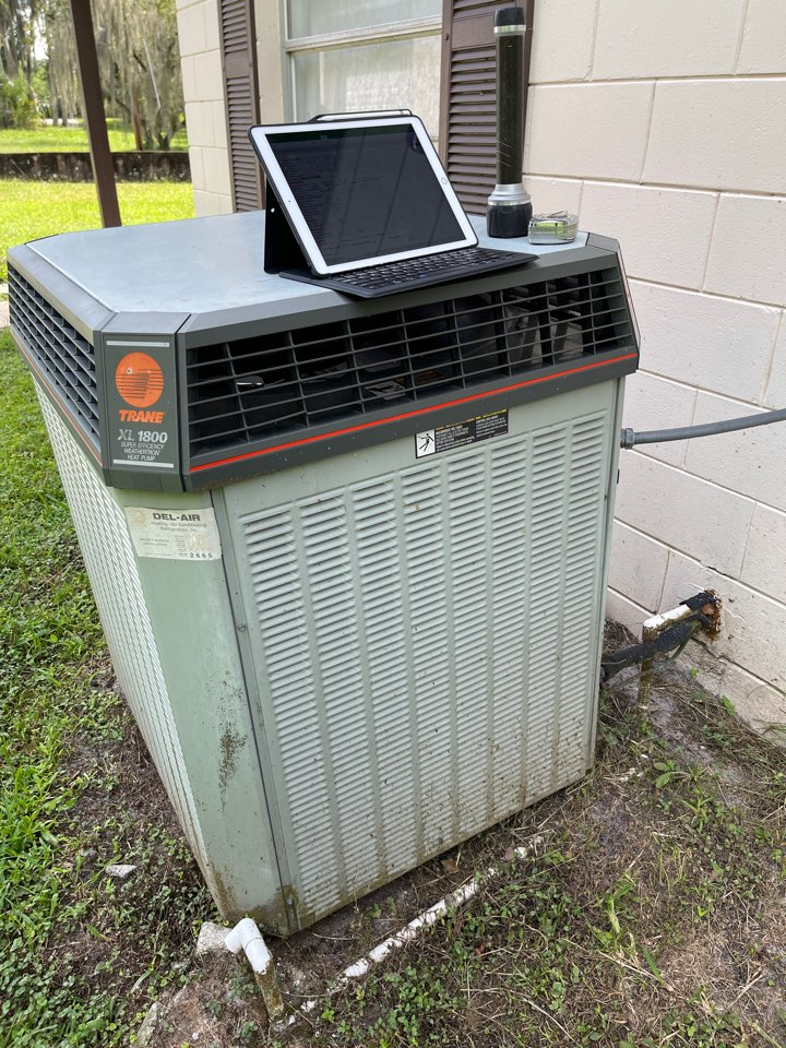 Winter Springs, FL - Replacing an old inefficient system with a new high efficiency Rheem