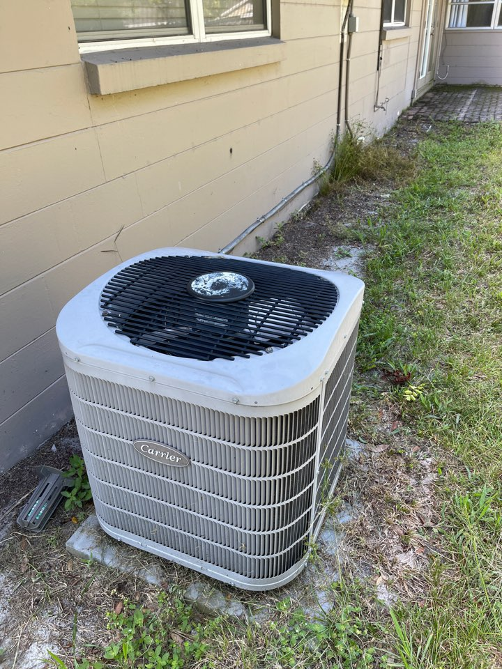 Winter Park, FL - Replacing an old inefficient system with a new American Standard system.