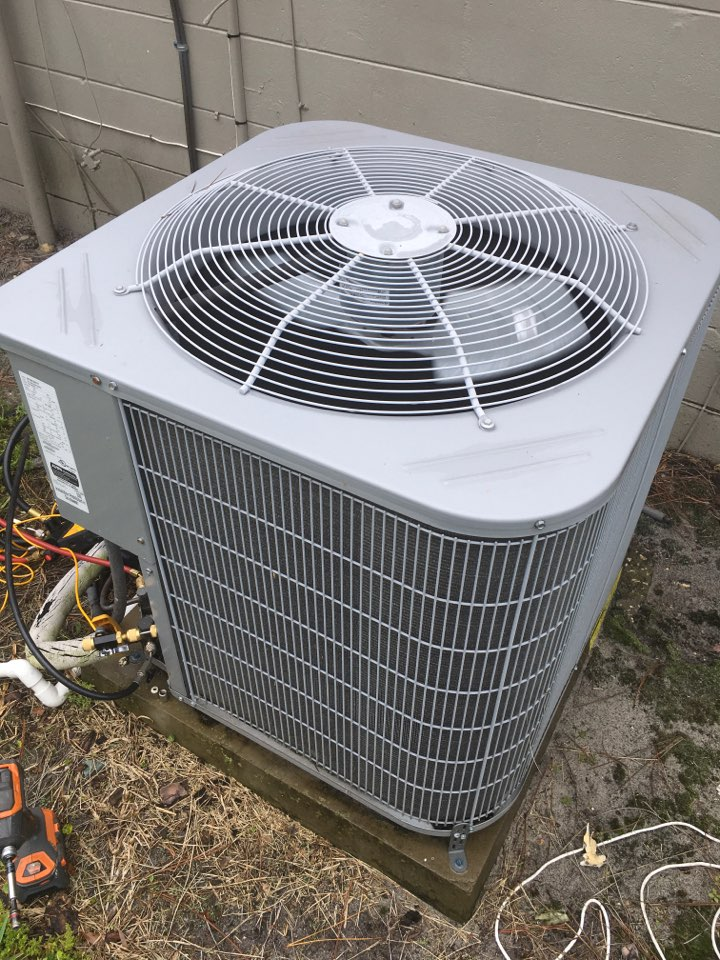 Orlando, FL - Repaired a carrier system for a family at pony ct Orlando