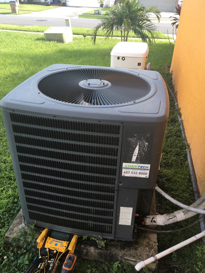 Kissimmee, FL - Maintenance on a Goodman system for a family at Piccadilly st Kissimmee