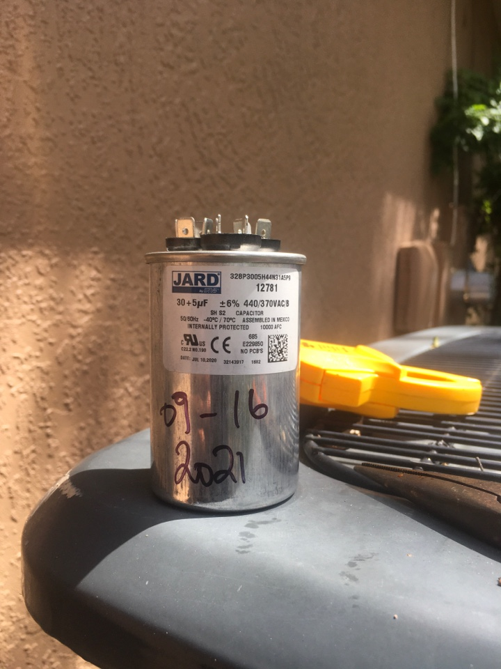Oviedo, FL - Replaced condenser capacitor for a family in Oviedo neighborhood