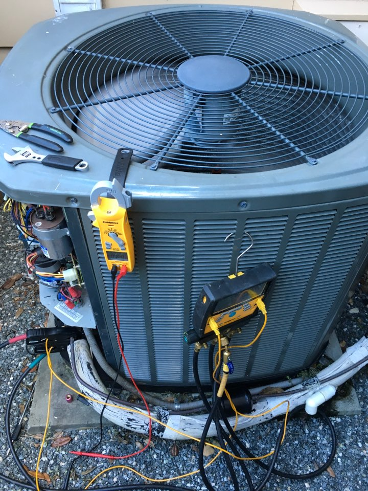 Orlando, FL - Performing maintenance for one of our customers.