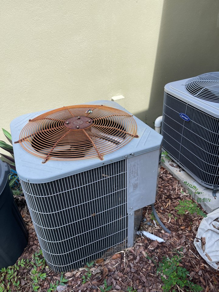 Orlando, FL - Replacing an old inefficient system with a new high efficiency Franklin system.