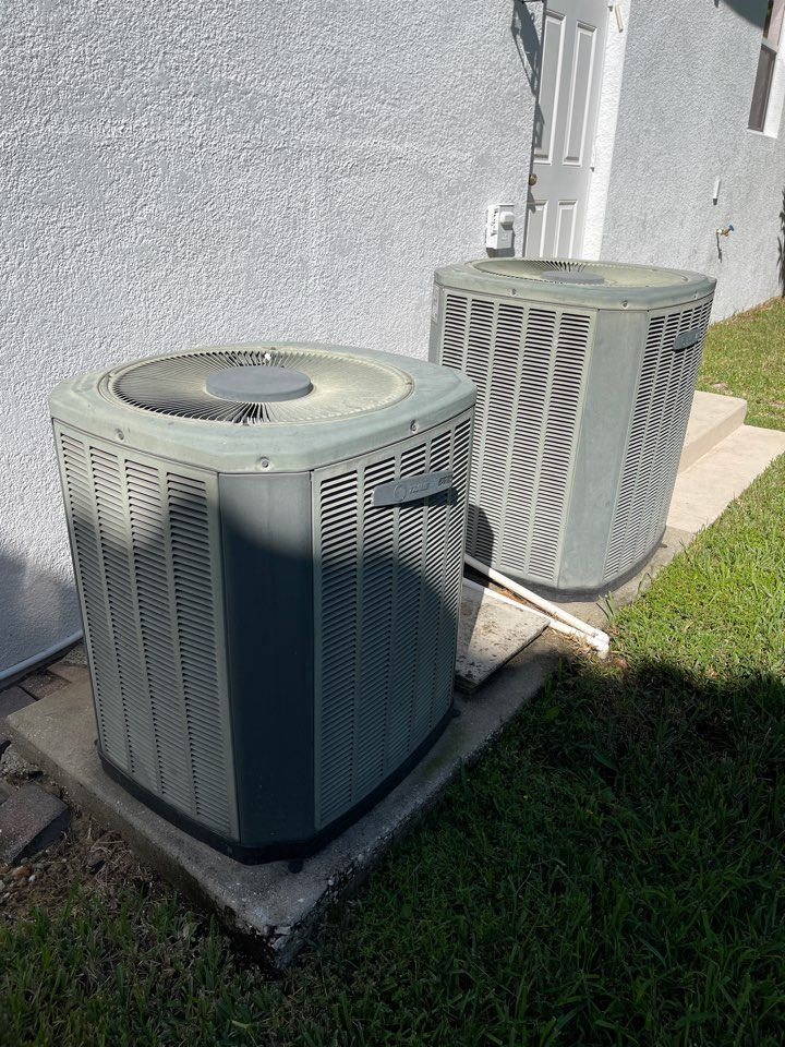 Orlando, FL - Replacing 2 old inefficient systems with 2 new high efficiency Franklin systems.