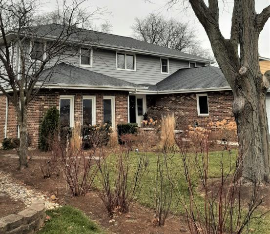 Full roof replacement in Arlington Heights, IL 60004. CertainTeed Landmark, Moire Black.