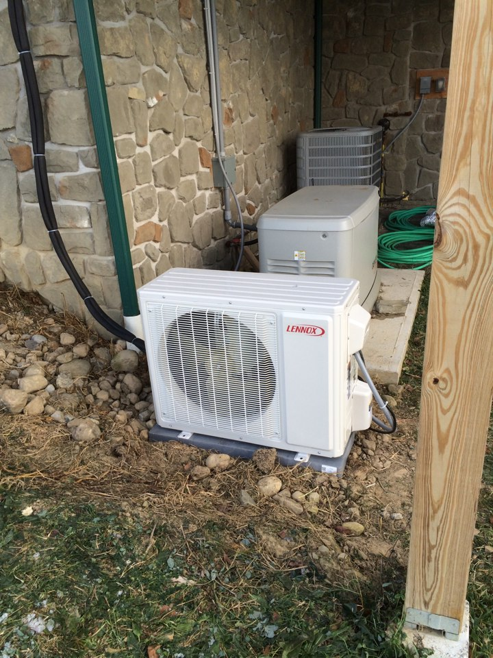 Fultonville, NY - Installation of new Lennox mini split and arzel zoning system.
