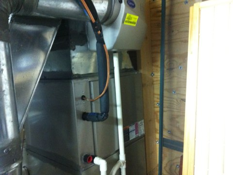 Halfmoon, NY - A/c refrigerant leak on carrier central air system