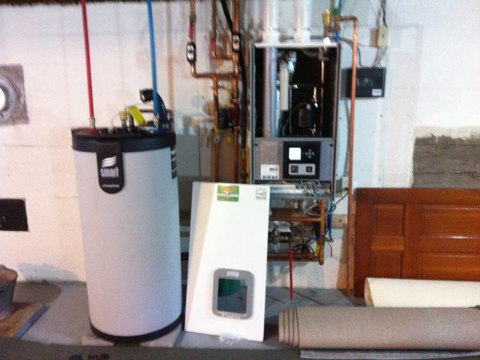 Rensselaer, NY - Installed new Triangle Tube tankless boiler and Tankless hot water heater and zoning , doing away with oil heat up grades from NYSERDA  are saving up to 50% on there fuel bills and using The energy grants and Rebates supplied By NYSERDA