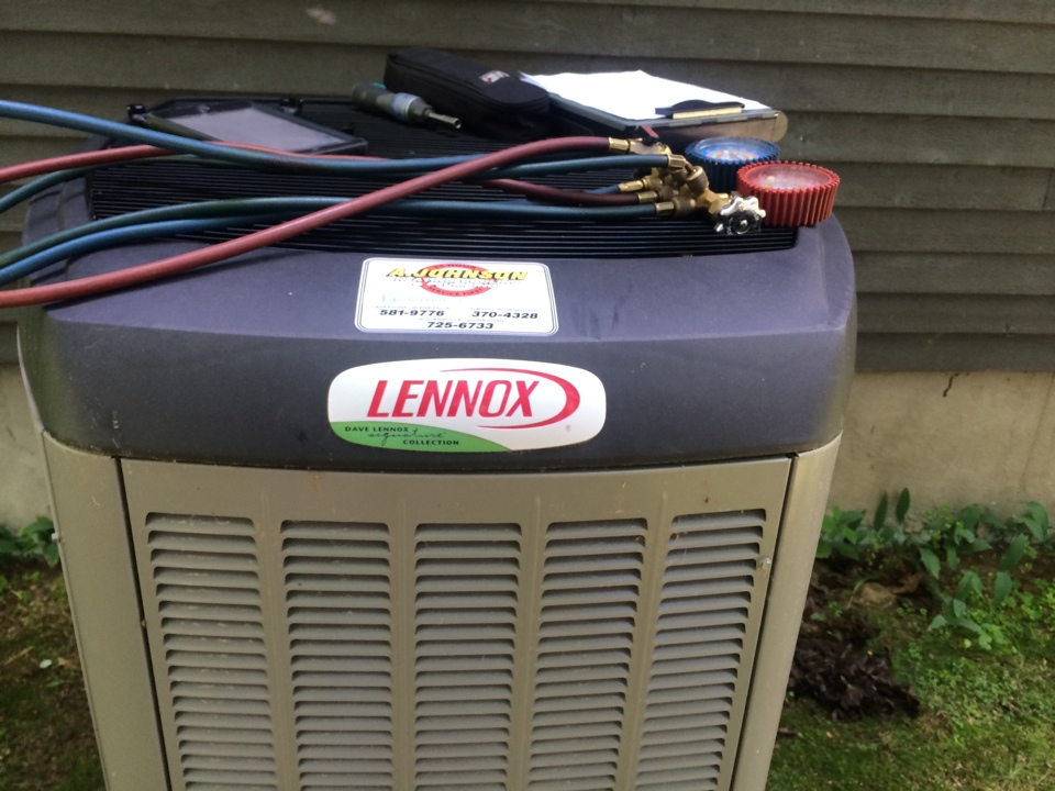 Schuylerville, NY - Service Lennox heat and air condenser