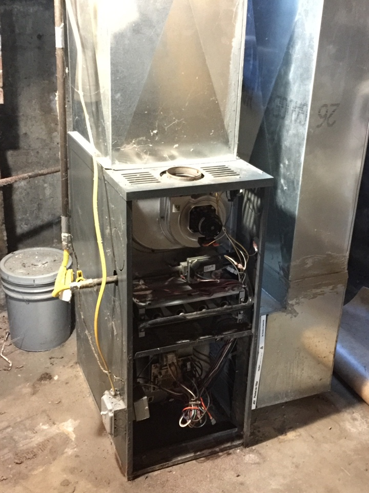 Johnstown, NY - Goodman furnace replacement. Replaced existing gas furnace with new aire flo 95% efficient gas furnace.