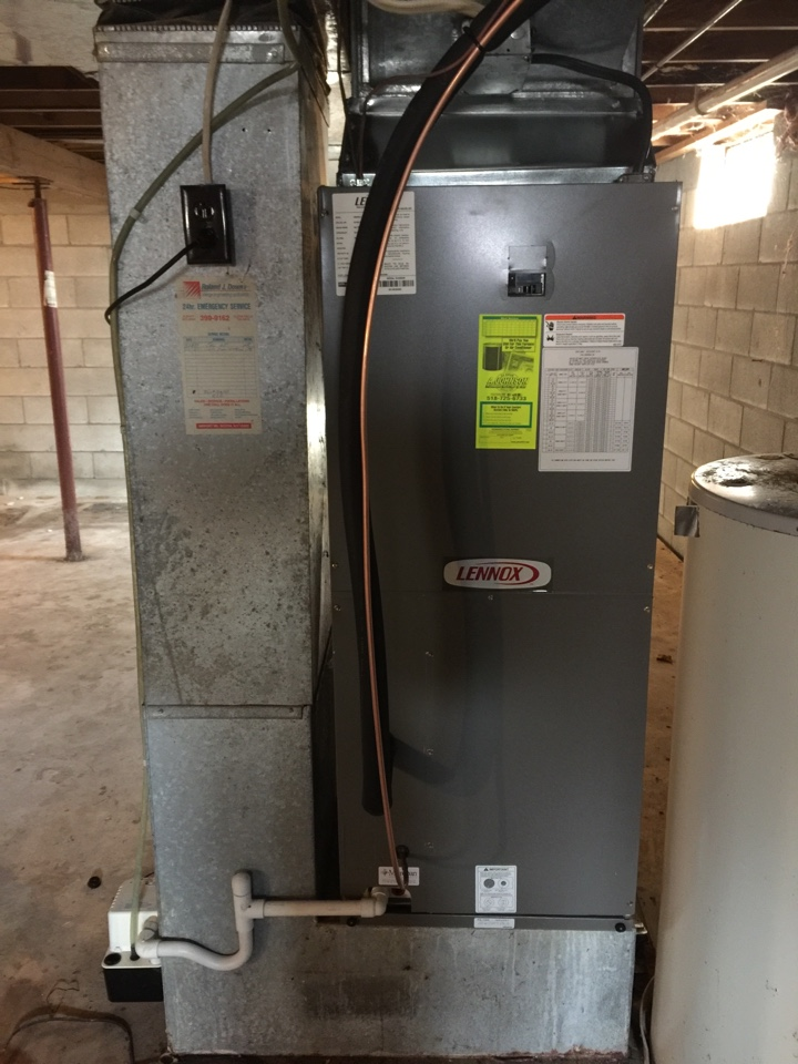 Schenectady, NY - Air handler replacement. Replaced existing air handler with new Lennox cbx25 air handler and Lennox high efficiency heat pump.