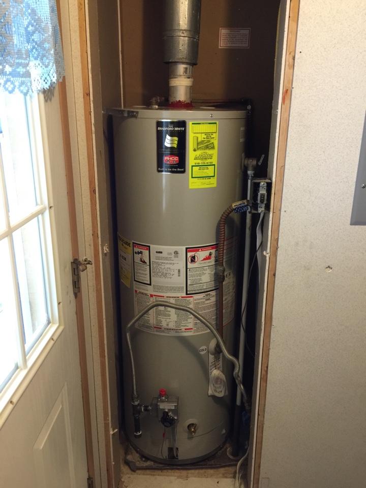 Gloversville, NY - Bradford white hot water tank replacement. Replaced original Bradford white hot water tank with new Bradford white 40 gallon hot water tank.
