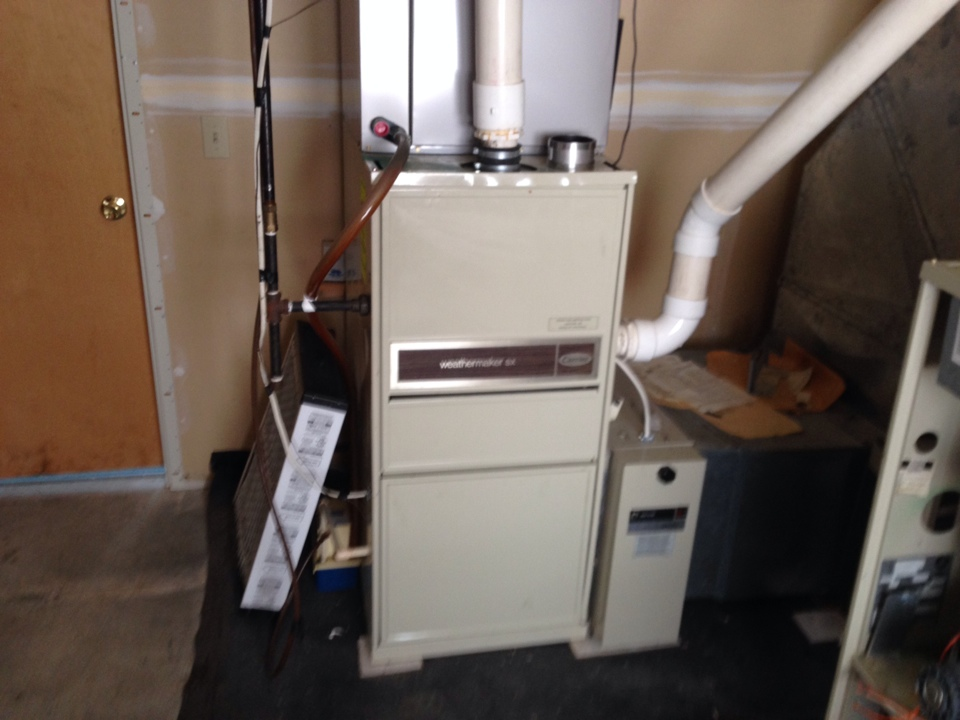 Altamont, NY - Furnace repair on Carrier gas furnace .  Found lockout timer needed replacement