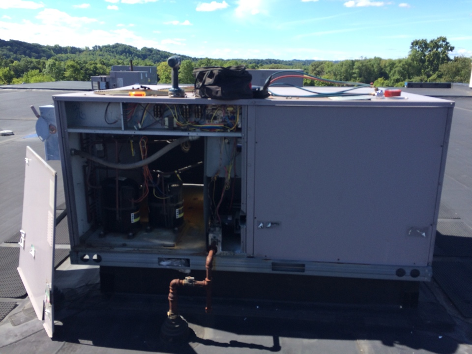 Palatine Bridge, NY - Preventive maintenance on Carrier rooftop unit