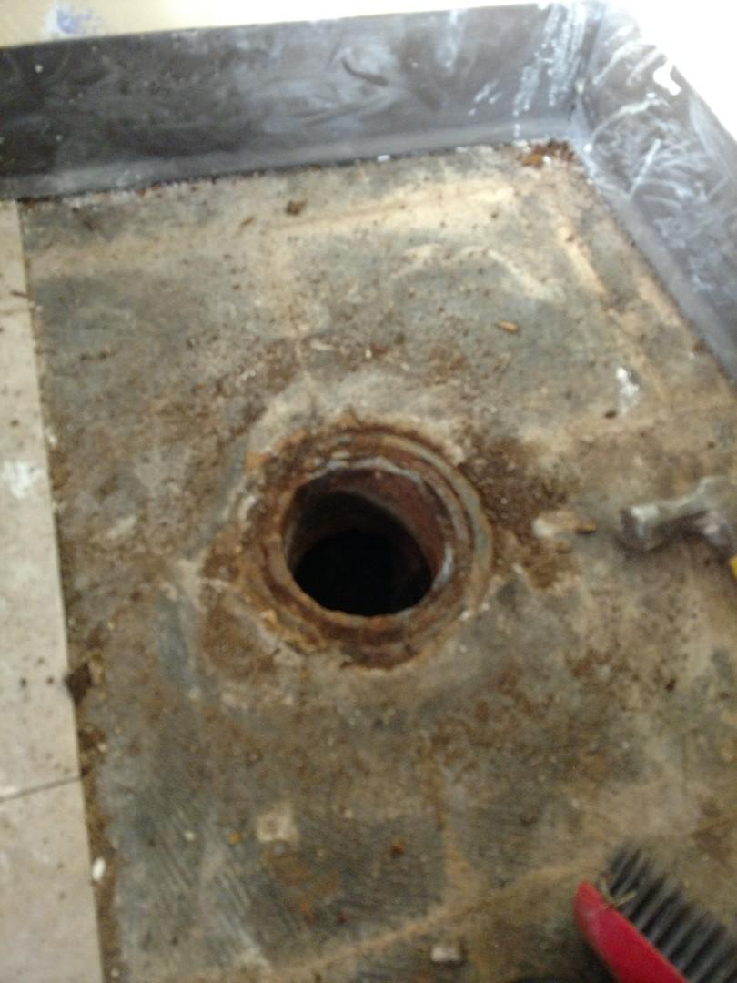 Minneapolis, MN - Minneapolis. Cast iron toilet flange repair