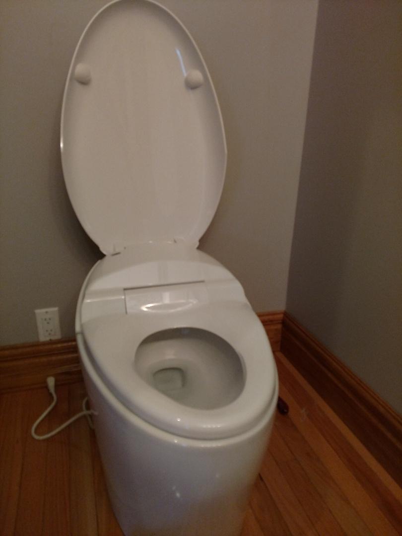 Woodbury, MN - Woodbury. Remote control toilet .