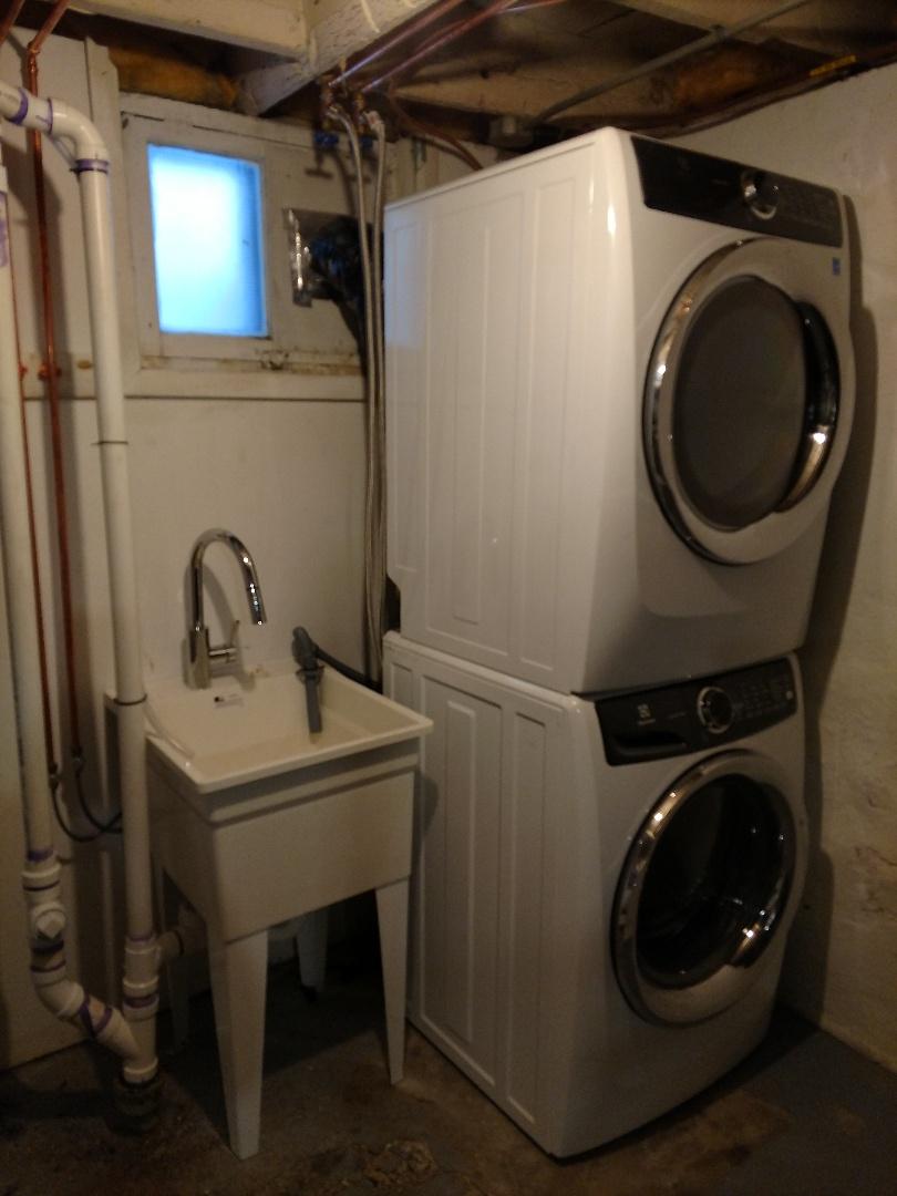 Minneapolis, MN - New , washer , dryer n Laundry tub