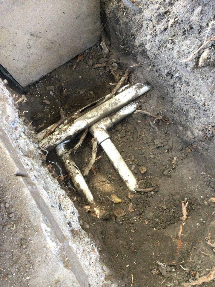 Santa Cruz, CA - Repaired leaking irrigation pipes.