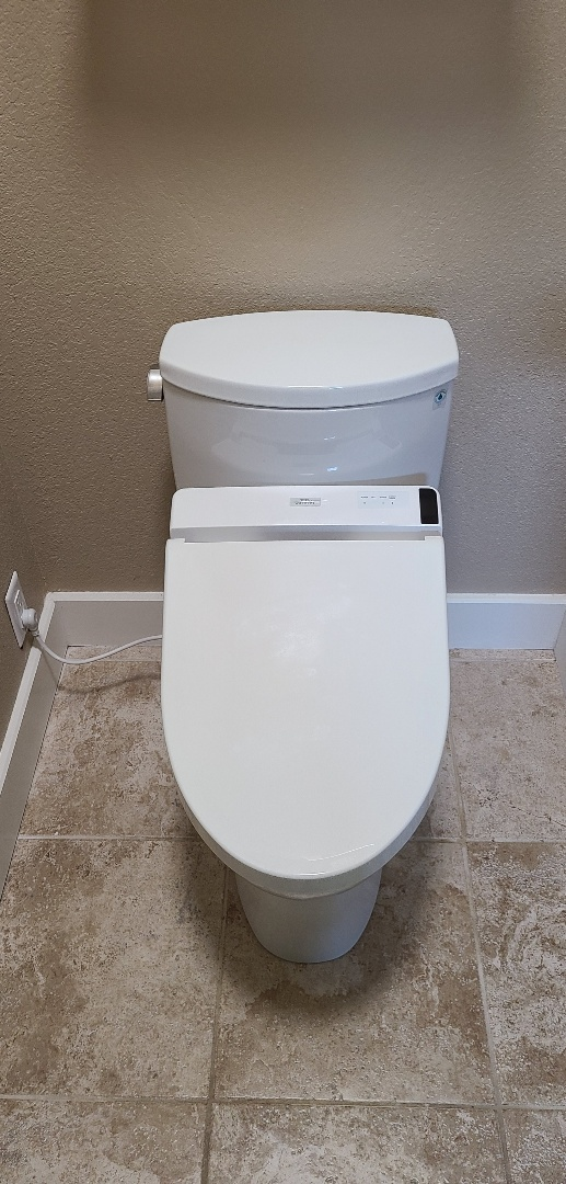 Tecumseh, KS - Replaced toilet with toto and washlet