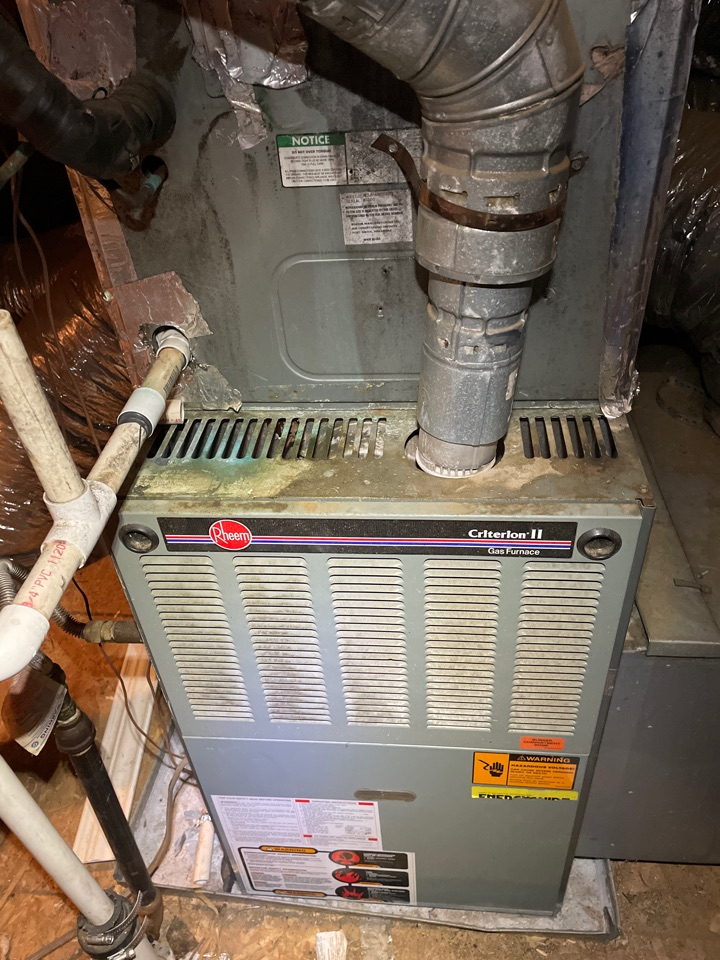Lakeland, TN - This client called Opachs for a AC repair but he needs a full system replacement. Call OPACHS today for new heater or furnace replacement.