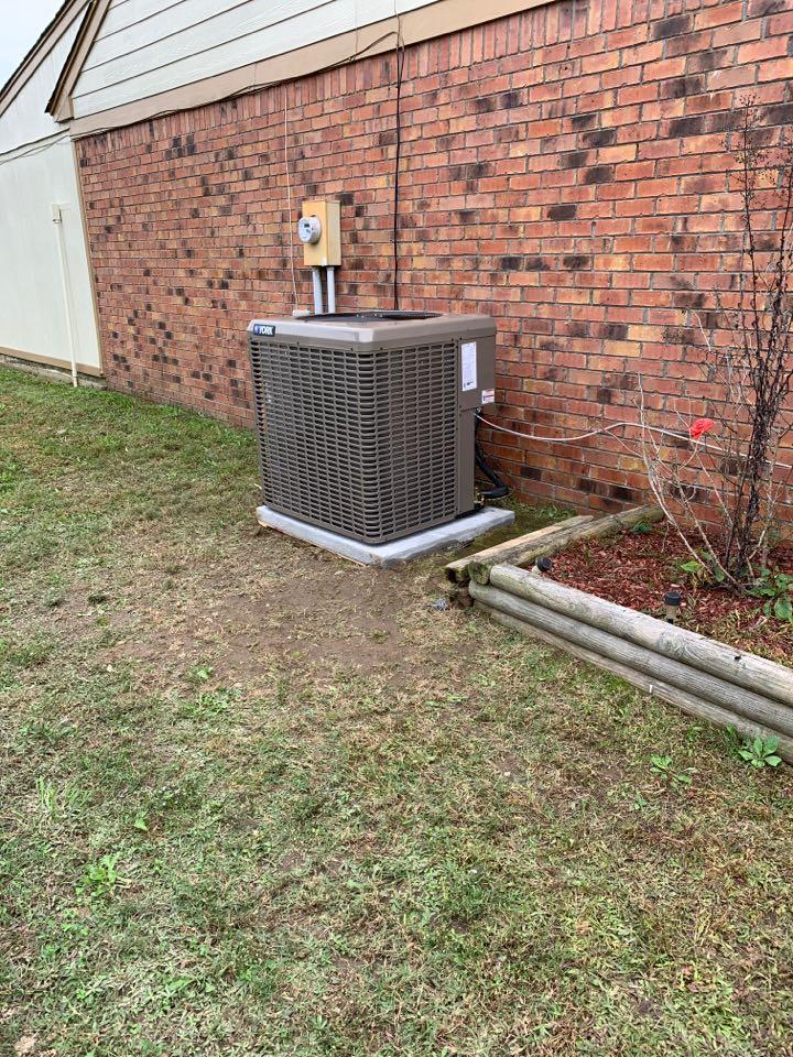 Horn Lake, MS - Install 3ton heat pump system